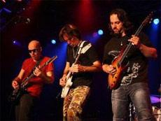 G3 : Joe Satriani, Steve Vai et John Petrucci