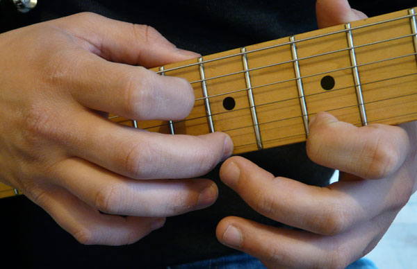 le single-note tapping