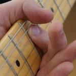 Techniques de muting à la main gauche